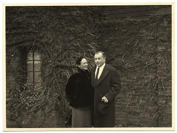 thumbnail image for Aline and Eero Saarinen papers, 1906-1977