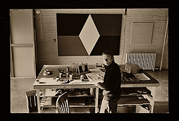 thumbnail image for Dean Fleming at work in the Park Place Gallery