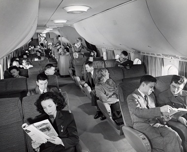 Boeing 377 Stratocruiser Seating