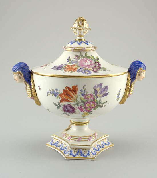 image for Tureen and lid