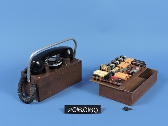 image for experimental radio-telephone with Electro Mechanics Inc. handset