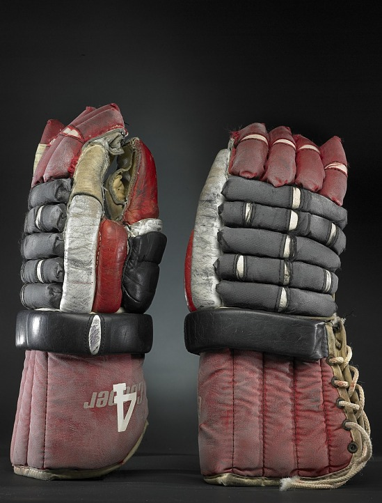 image for Hockey Gloves, worn by Bobby Orr