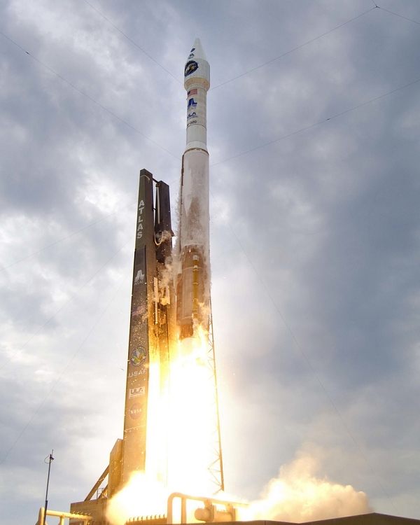Launch of LROC