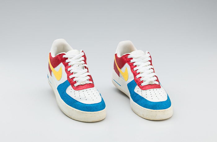 moverse grieta Desbordamiento  Red, white, yellow, and blue Nike sneakers worn by Big Boi of Outkast |  National Museum of African American History and Culture