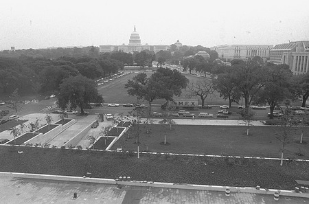 Site on the Mall Reserved for the SI