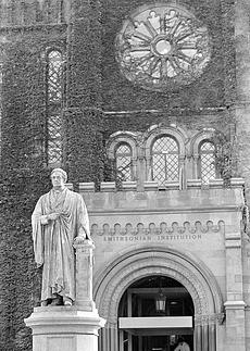 Joseph Henry Statue on Mall