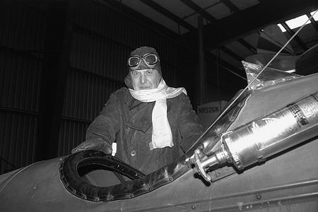 Paul Garber in Airplane