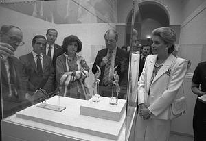 Queen Noor of Jordan at Freer Gallery of Art with Secretary Adams