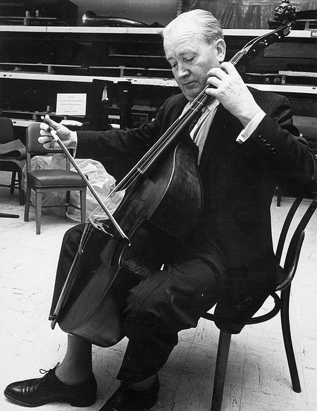 Janos Scholz and SI's Viola de Gamba