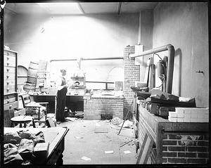 Mineralogy Laboratory, 1880, Smithsonian Institution Archives, SIA Acc. 11-006 [MAH-3664].