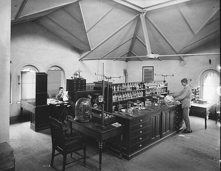 Chemistry Laboratory, U.S. National Museum