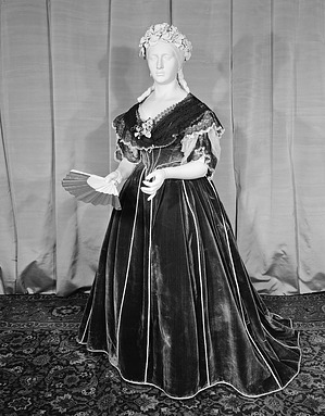 First Ladies Gowns - Mary Todd Lincoln