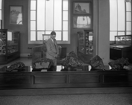 Meteorites on Exhibit, by Unknown, 1961, Smithsonian Archives - History Div, 32953-B or MNH-32953B.