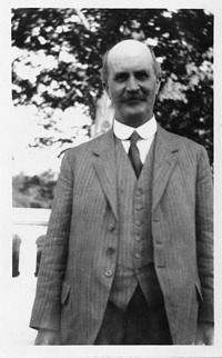 William Henry Bragg (1862-1942), Smithsonian Institution Archives, SIA Acc. 90-105 [SIA2007-0341].