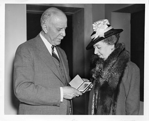 (left to right): William Bowie (1872-1940) and Elizabeth Taylor Wattles Bowie (1856-1950)