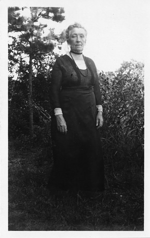 Cornelia Maria Clapp (1849-1934), Smithsonian Institution Archives, SIA Acc. 90-105 [SIA2008-0113].