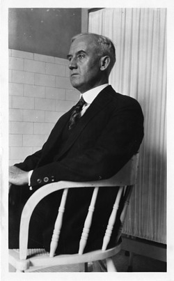 John Francis Cowan (1880-1929), Smithsonian Institution Archives, SIA Acc. 90-105 [SIA2008-0300].