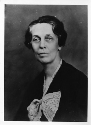 Emma Perry Carr (1880-1972), Smithsonian Institution Archives, SIA Acc. 90-105 [SIA2008-0364].