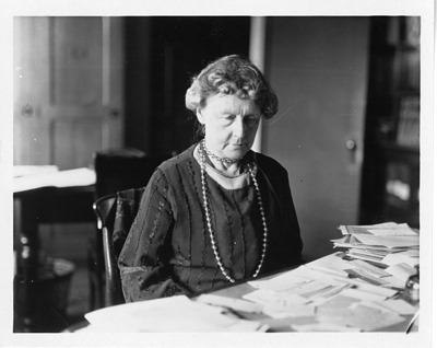 Annie Jump Cannon (1863-1941), Smithsonian Institution Archives, SIA Acc. 90-105 [SIA2008-0648].