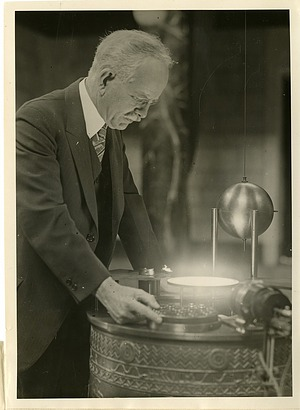 George Ellery Hale (1868-1938), Smithsonian Institution Archives, SIA Acc. 90-105 [SIA2008-2206].