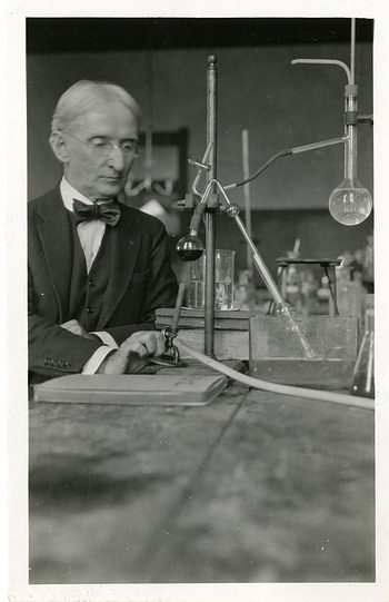 Henry Winston Harper (1859-1943), Smithsonian Institution Archives, SIA Acc. 90-105 [SIA2008-3514].