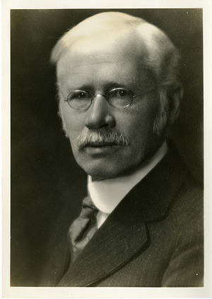 Edward Kremers (1865-1941), Smithsonian Institution Archives, SIA Acc. 90-105 [SIA2008-4960].