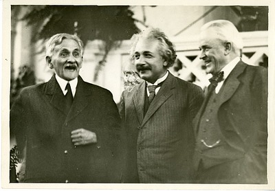 Albert Abraham Michelson (left), Albert Einstein (center), and Robert Andrews Millikan (right)