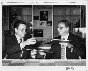 Abdiel Adames and STRI Director Ira Rubinoff
