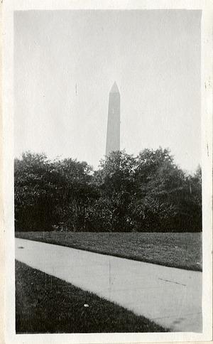 Washington Monument, 1919, Smithsonian Institution Archives, SIA RU007355 [SIA2010-2006].
