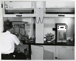 Roy Clarke Using a Microbalance