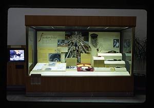 """""""Feather Focus"""" Exhibit Case"""