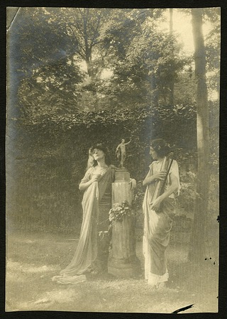 Eua Palmer-Sikelianou and Penelope Duncan, Play Bois, Paris