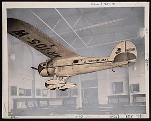 """Lockheed Vega """"Winnie Mae,"""" Arts and Industries Building"""